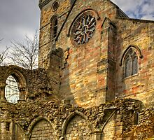 Culross Abbey by Tom Gomez