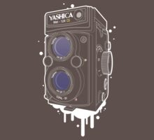 YASHICA Mat 124 G by panaromic