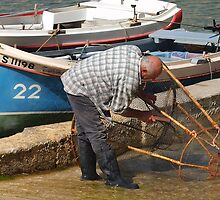 Cleaning of the bow nets - nasses by Patrick Anastasi