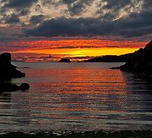 Sunset over Spiggie beach by Shaun Whiteman