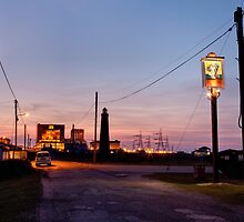 Cross-over light, Dungeness with pub by algo