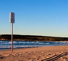 Maroubra beach surfers by Jennifer  Jamie
