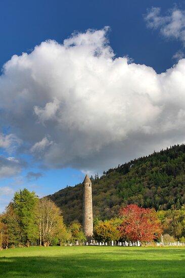 Glendalough Round Tower by Hauke Steinberg