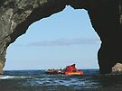 Hole in the Rock, Bay of Islands,  New Zealand by Roy  Massicks