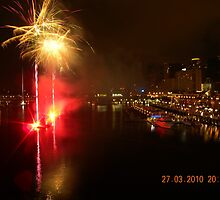 Fireworks display at Darling Harbour by pgardose