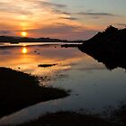 Sunset over loch Dunvegan by Shaun Whiteman