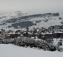 Edinburgh's snow covered hills by justbmac