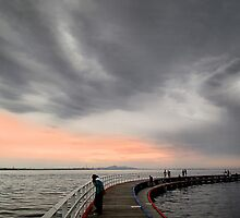 The boardwalk - Geelong by Hans Kawitzki