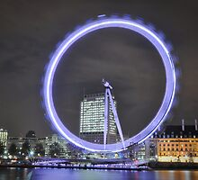 Movement of the London eye during long exposure by Shehan Fernando