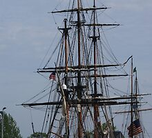 HMS Bounty by Robbin269135