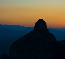 Sunset over Meteora by gabrielH