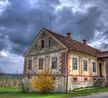 Old Slovenian house by MitendorferB