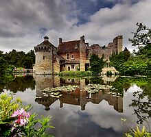 Scotney Castle by Sarah  Dawson