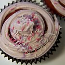 Cupcake with mauve icing by hanan