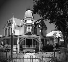 Another Victorian Home by Kathleen Struckle