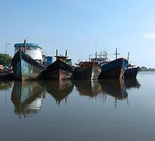 boat by bayu harsa