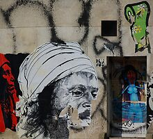 Beaubourg grafitti - art insideout.. by vesa50