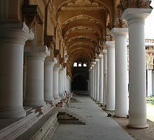 Madurai Thirumalai Nayakar Palace, India. by Rasheel