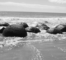 Moeraki Boulders by Susan Bailey