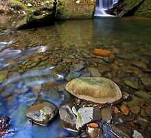 """Mini falls & rock Pool"" by Husky"