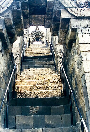 Borobudur - stairs to heaven by steppeland