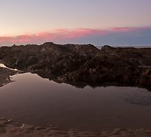 Tidal Pool at Coolangatta by gmpepprell