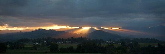 Sunrays, Murwillumbah, NSW, Australia, Aug 2005 by Odille Esmonde-Morgan