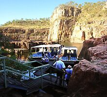 Changing boats in Katherine Gorge by georgieboy98
