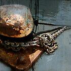 Rusty Bit(te) d'amarrage by Sonia de Macedo-Stewart