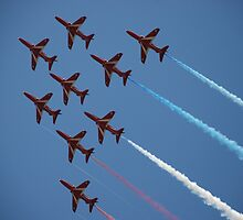 Red Arrows Number 1 by briandhay