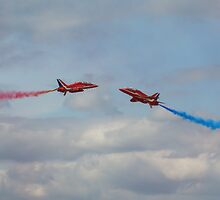Red Arrows 7 by purpleminx