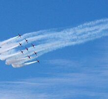 Smoke trails behind the Red Arrows by iLaw