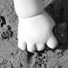 Sandy Hand by Lady  Dezine