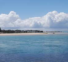 beach scene and cloud by alanball