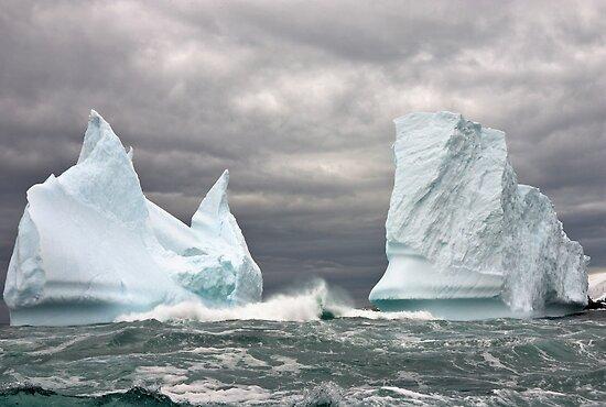On Dangerous Seas by Robert Elliott