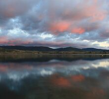 Lake Jindabyne by Graham Schofield