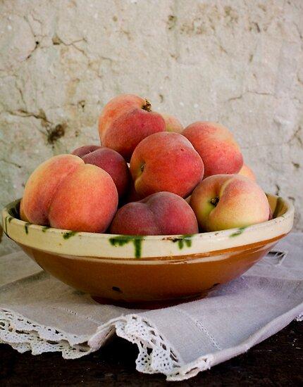 Sun Kissed Peaches by chezus
