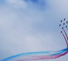 Red Arrows by DeePhoto