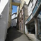 Looe alley by ellismorleyphto