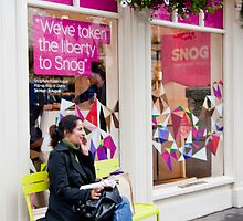 Snog Bench by phil decocco