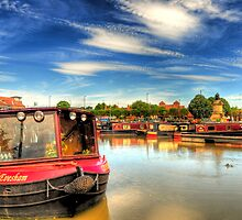 Stratford - Upon - Avon  Canal boats by Shehan Fernando