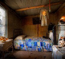 Ned Kelly Home - Kate's room by Hans Kawitzki