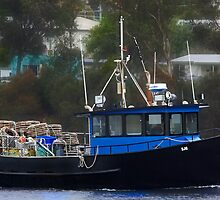Fishing boat  (Cray) by UncaDeej