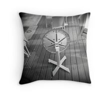 Dalek, I Love You! Throw Pillow