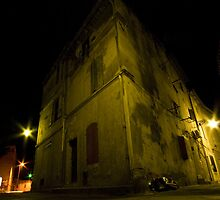 Arles at night by OlurProd