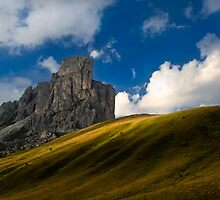 Cloud's reason - Giau Pass (Italy) by coveredinice