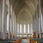 Inside Hallgrimskirkja by Roantrum