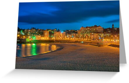 Coogee beach at dusk by Erik Schlogl