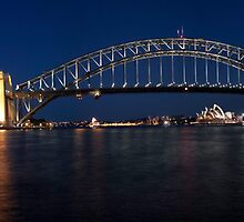 Sydney by Night. by Ian Fraser