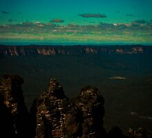Echo Point - Three Sisters 01 by Steven Maynard